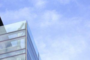 AAA不動産ガイド 自社ビルか賃貸か、正しいのはどっち?